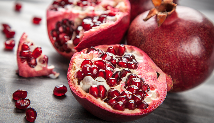 9 pomegranate health benefits that offer powerful disease protection
