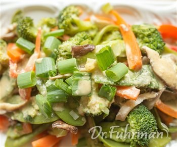Broccoli and Shiitake Mushrooms with Thai Peanut Sauce